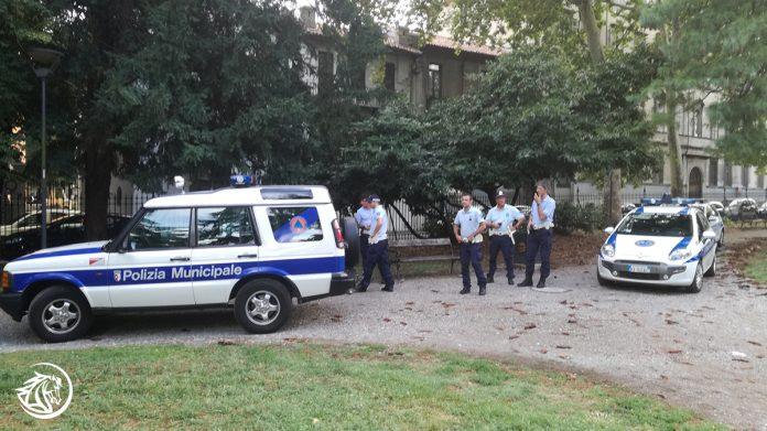 Blitz della Polizia Municipale di Piacenza e della Guardia di Finanza ai Giardini Margheritadell