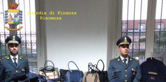 Guardi di Finanza di Fiorenzuola (Pc) sequestra capi contraffatti