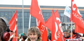 Fiorenzo Molinari, segretario Filcams Piacenza durante lo sciopero Amazon