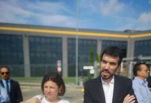 Il segretario del Pd in visita ad Amazopm com Paola De Micheli
