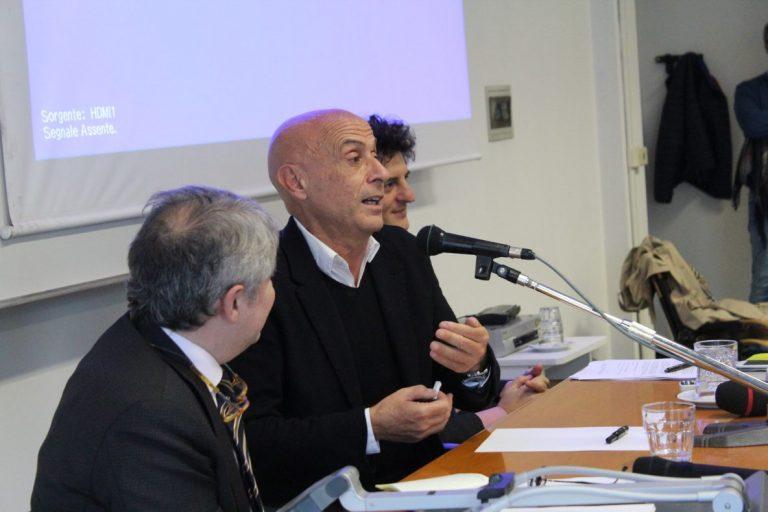 """Minniti: """"Mai come oggi il concetto di democrazia nel mondo è in discussione"""""""
