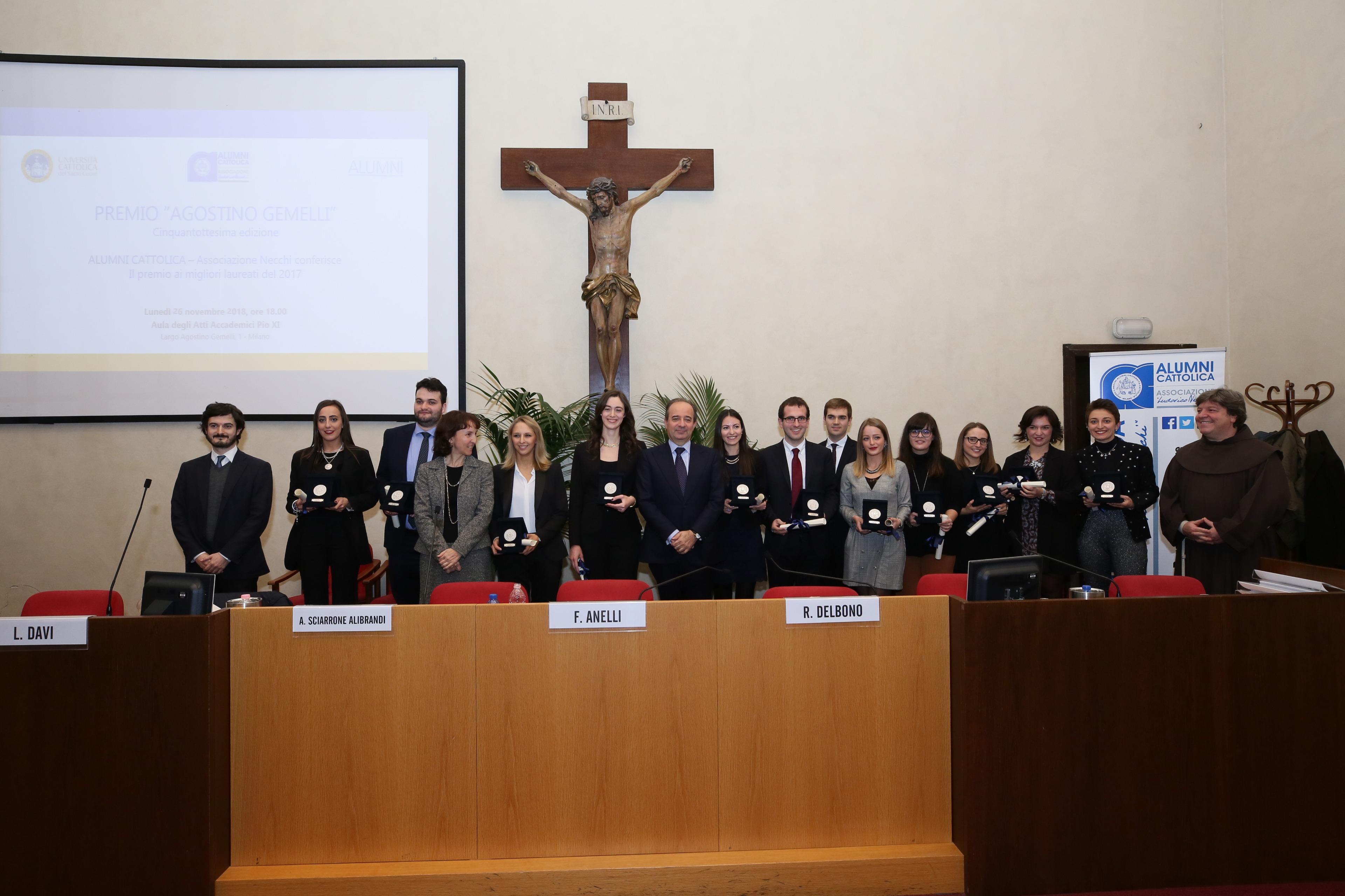 Due laureate piacentine premiate in cattolica piacenzaonline for Gemelli diversi foto ricordo
