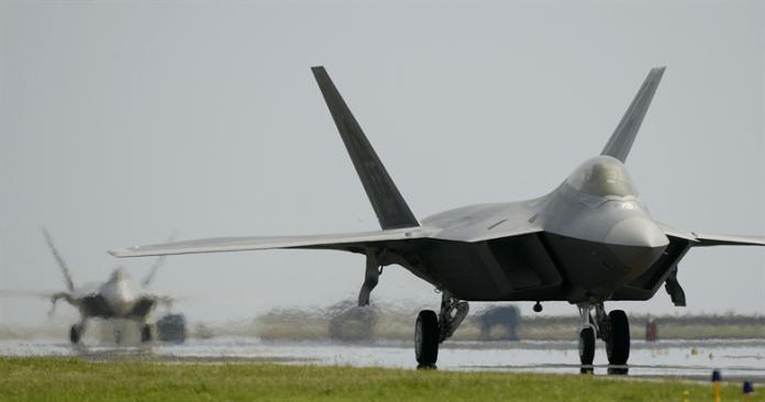 Stampanti 3D producono ricambi per l' F22 Raptor