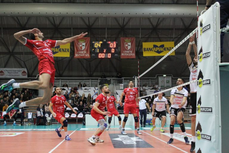 Gas Sales conquista le semifinali di Coppa Italia, Reggio Emilia asfaltata 3 – 0