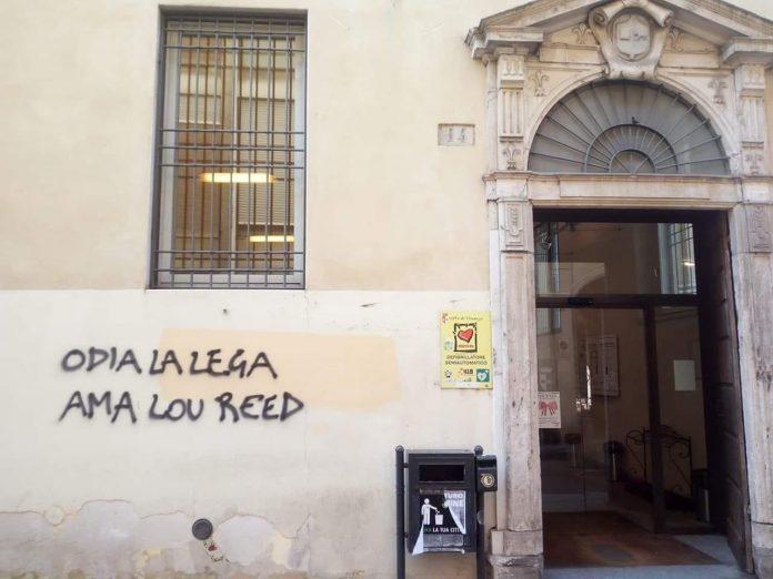 Nuova scritta all'ingresso della Passerini Landi