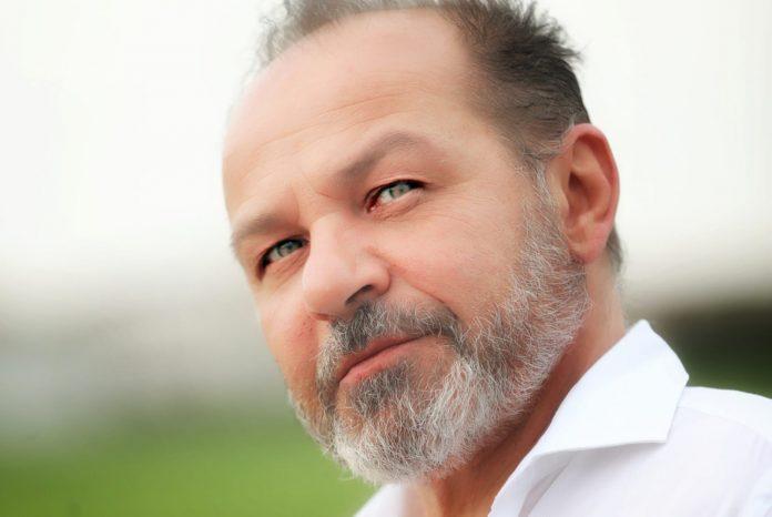 Enzo Dotti (Un sogno in Comune) lancia il confronto a tre a Pontenure con gli altri candidati sindaco