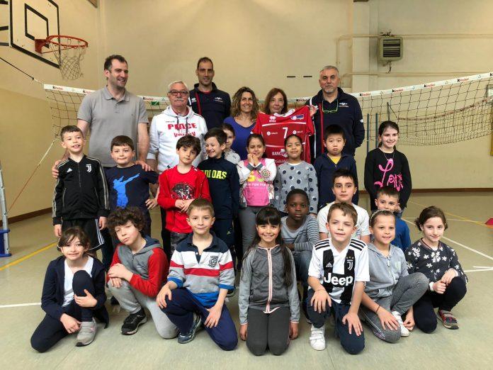 Alla Pezzani si impara il valore dello sport grazie ai campioni del volley