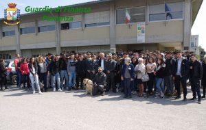 Guardia di Finanza all'istituto Mattei di Fiorenzuola d'Arda