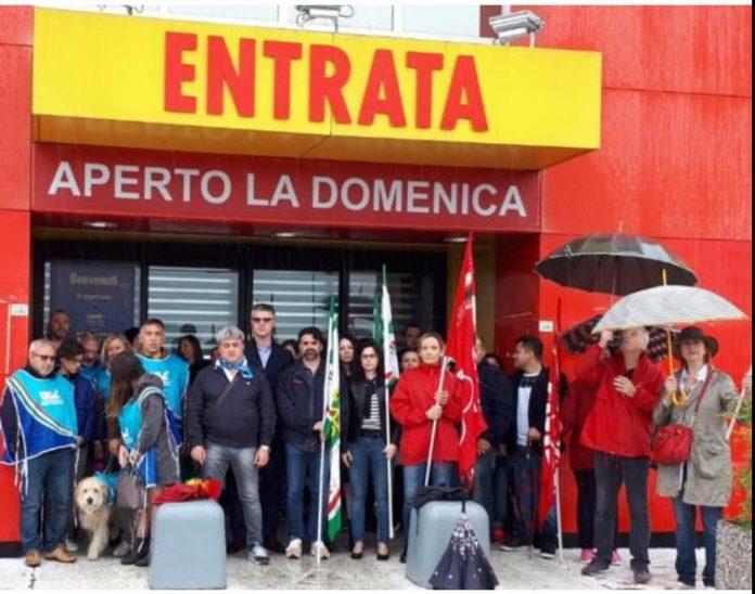Mercatone Uno, stamattina presidio davanti al punto vendita di Rottofreno coi sindacati