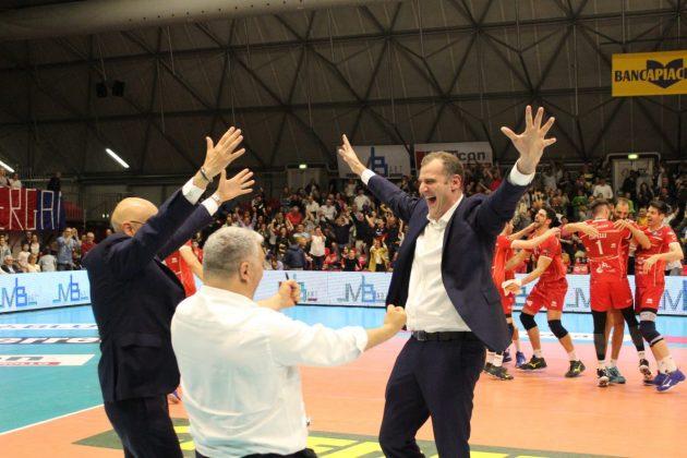 Bye bye A2, il volley piacentino torna nel campionato più bello del mondo! Grande Gas Sales!