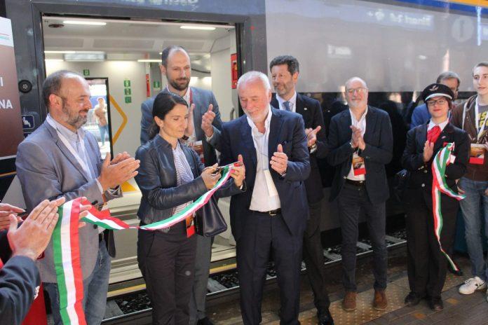 Svolta nel trasporto pubblico su rotaie, hanno debuttato oggi due nuovi treni Trenitalia, Rock e Pop