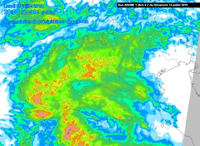 Rischio nubifragi nella giornata di domani sul Piacentino. Emessa allerta meteo