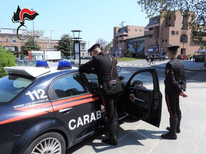 Controlli carabinieri in stazione a Piacenza