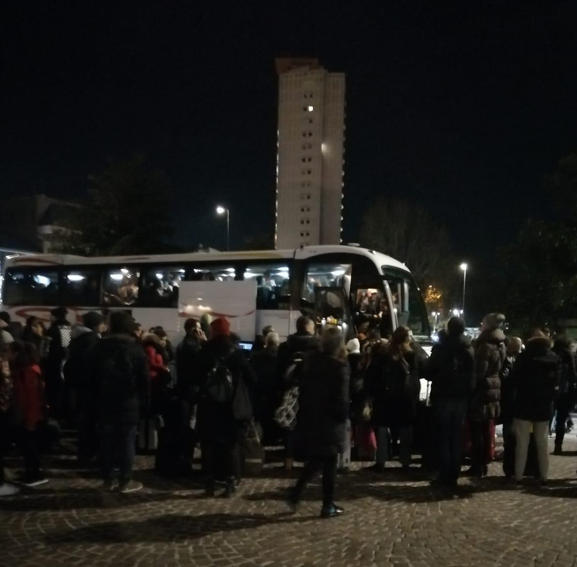 Deraglia treno merci a Piacenza. Istituiti bus sostitutivi verso Milano