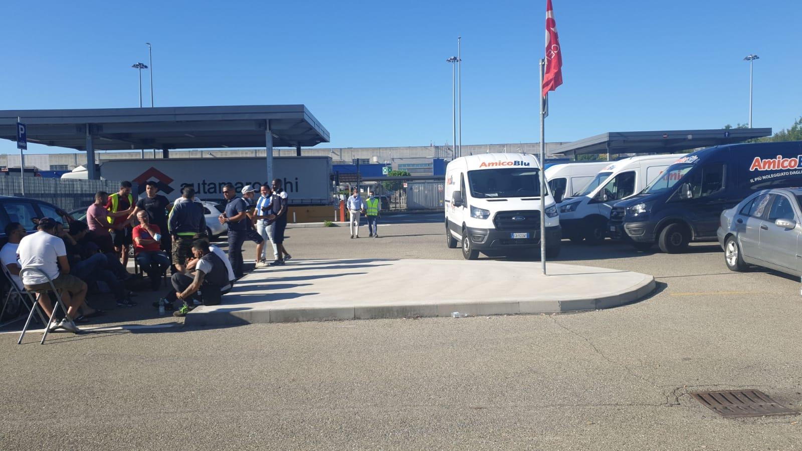 Sciopero al deposito Ikea di Piacenza