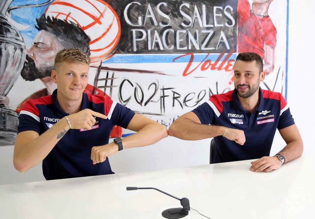 Gas Sales: Marzo Izzo e James Shaw
