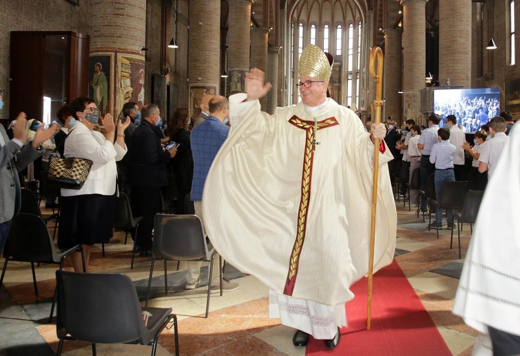 Mons. Adriano Cevolotto vescovo Piacenza