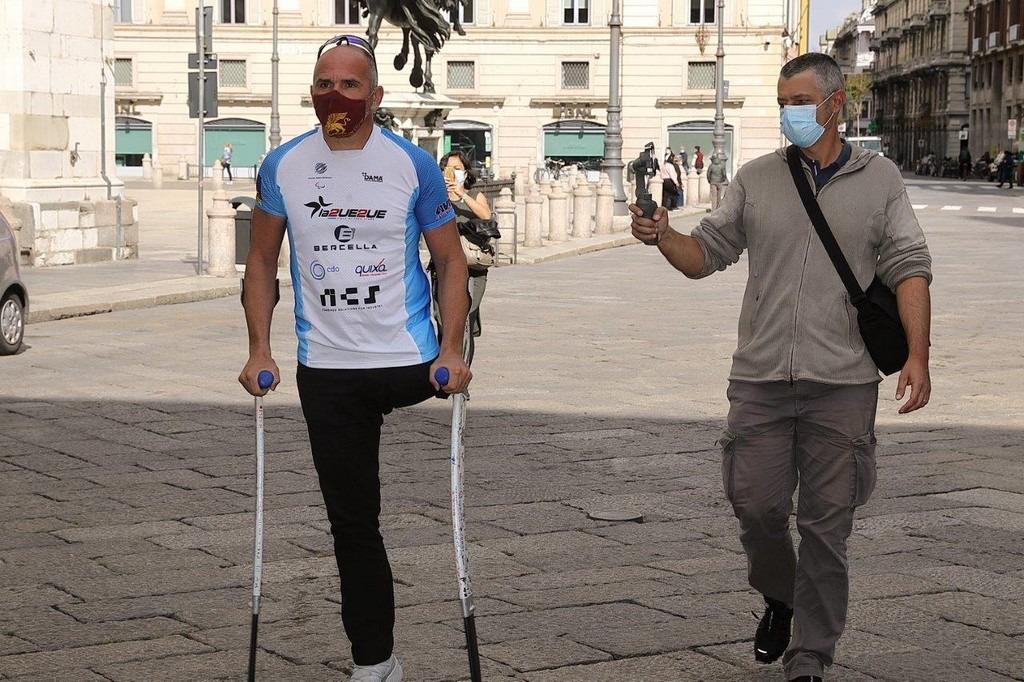 Andrea De Vincenzi arriva in piazza cavalli a Piacenza