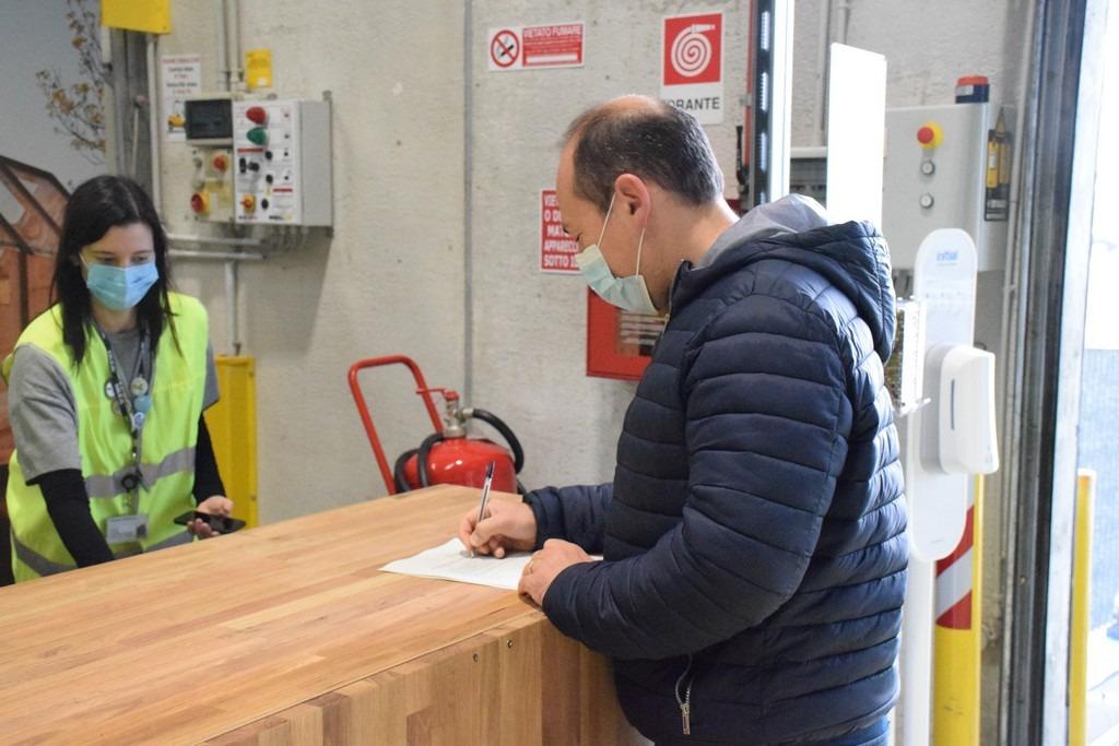 Sante Quattrone il primo cliente ad usare il servizio Ikea