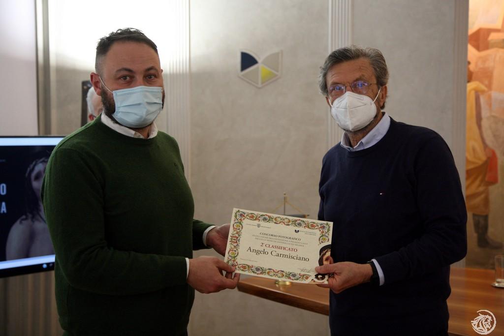 Angelo Carmisciano premiato da Patrizio Maiavacca