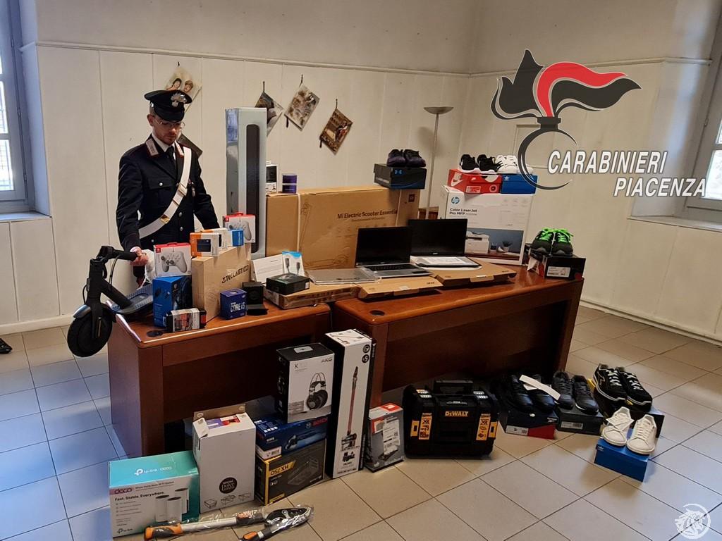 Carabinieri-merce-rubata