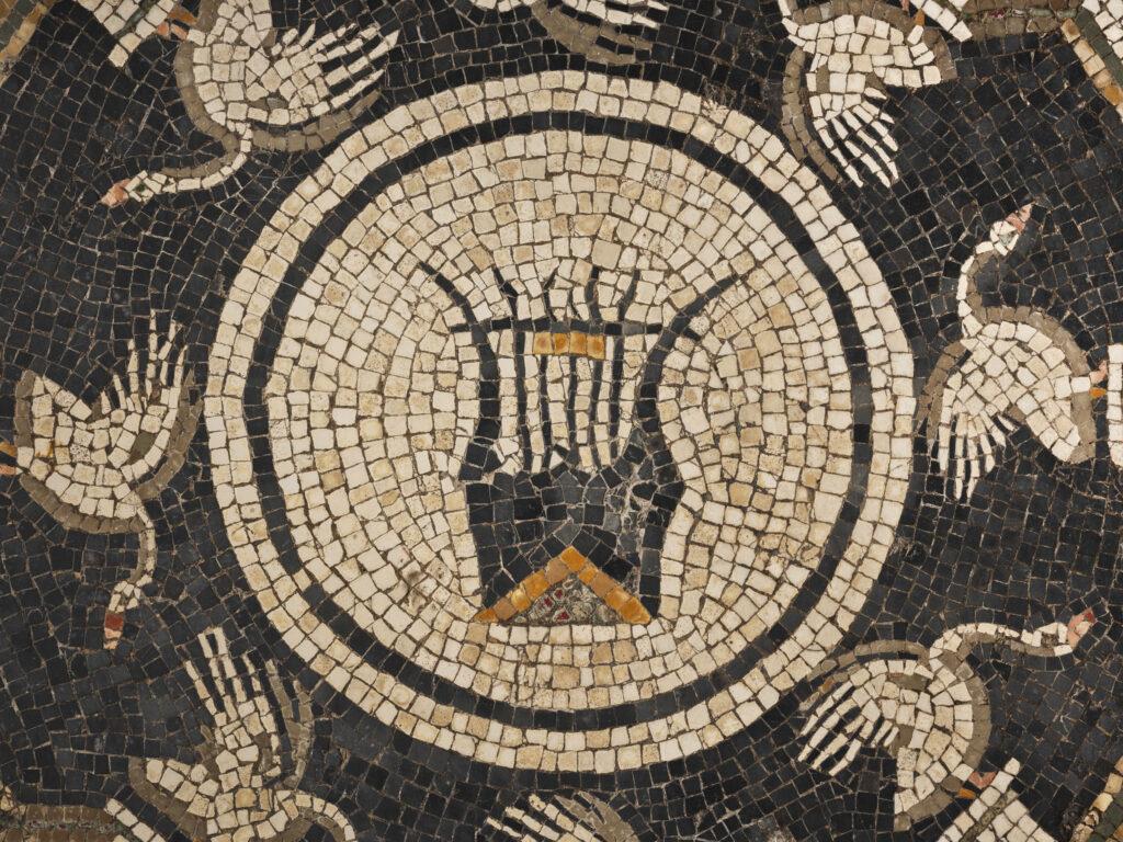 Mosaico-con-cigni-e-lira-foto-C.Vannini-1024×768