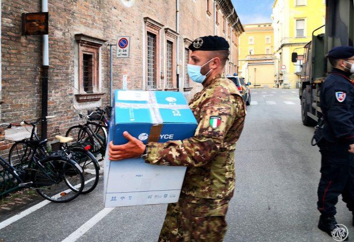 Consegna vaccino Janssen Johnson & Johnson a Piacenza