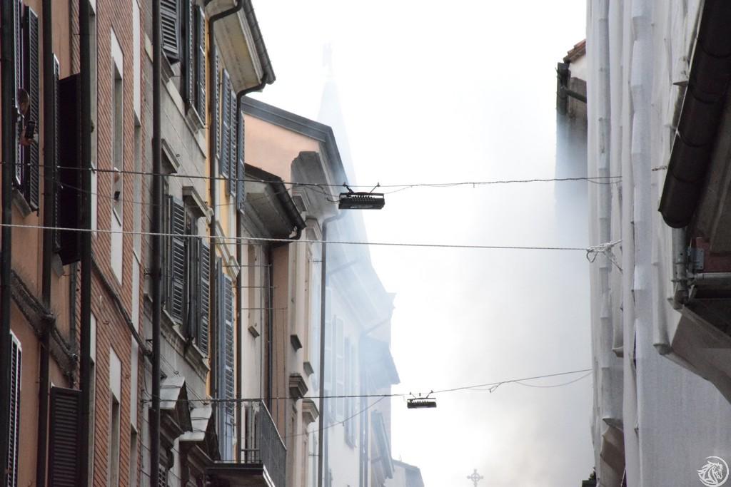 Incendio-Pulisci-strada-via-xx-Settembre-Piacenza_37
