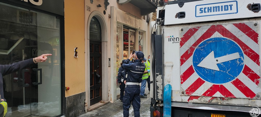 Post-Incendio-Pulisci-strada-via-xx-Settembre-Piacenza_6