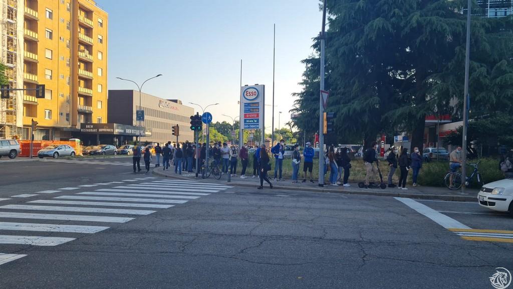 Vaccino-Bologna-Fila via Calzoni-Stalingrado-3