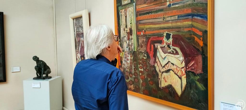 Vittorio Sgarbi visita la mostra Klimt e i maestri segreti della Ricci Oddi