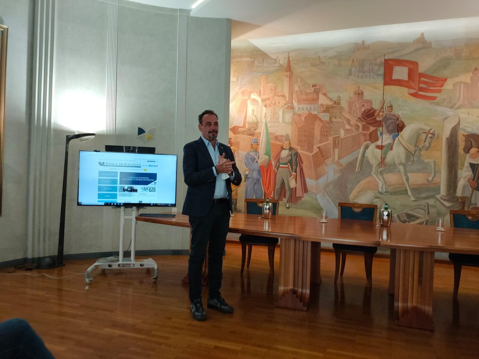 Presentazione-Spot-banca-Piacenza_6