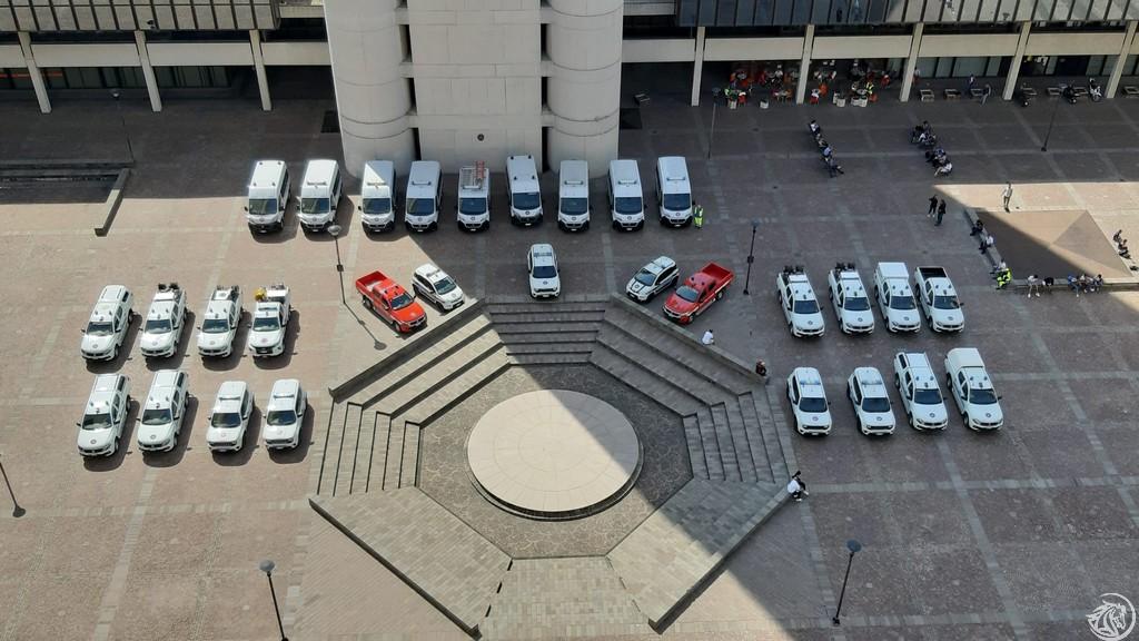 Protezione-civile-mezzi-piazzale